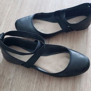 Aldo leather flats size 9